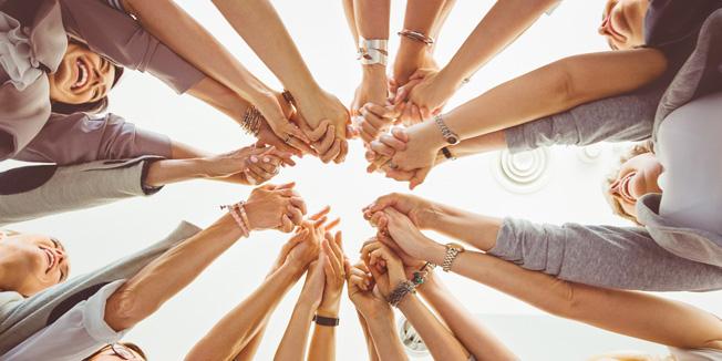 Frauen im Kreis